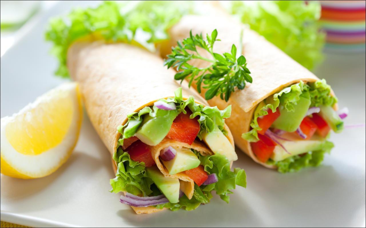 Wraps mit Avocado und Garnelen