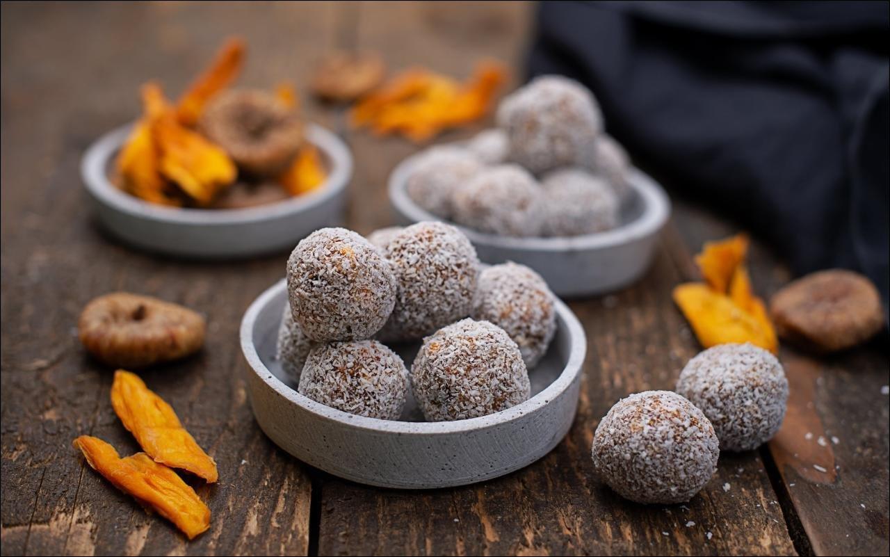 Mango Kokos Energy Balls