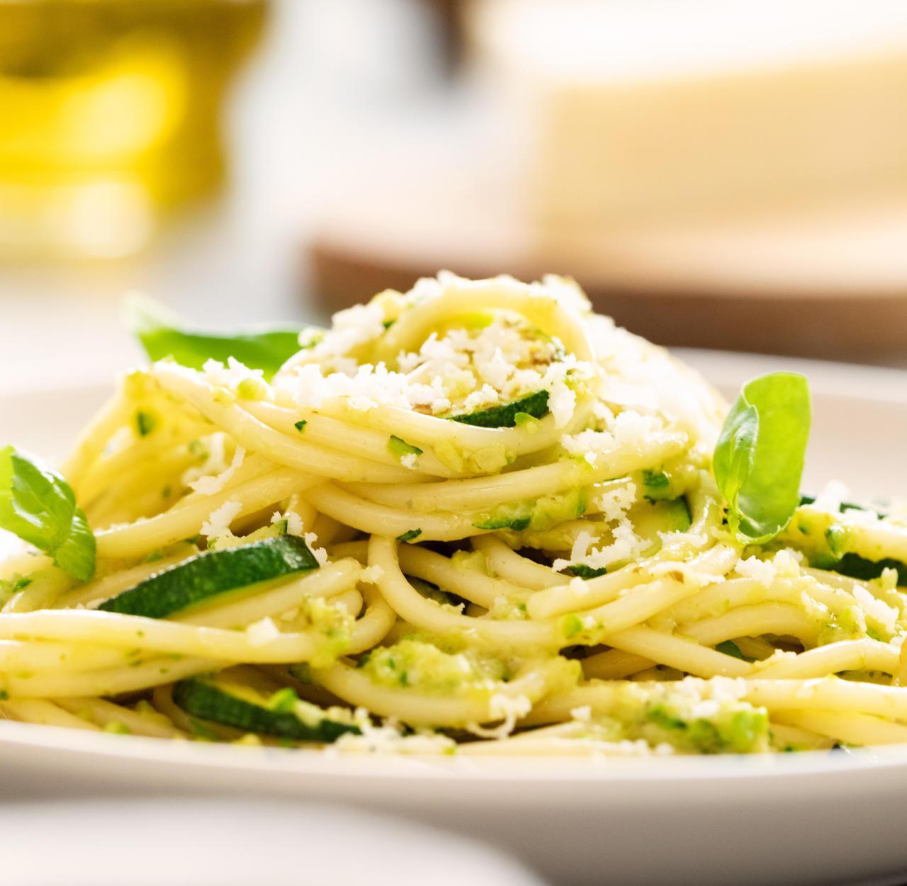 Spaghetti alla Nerano mit Pesto alla Genovese
